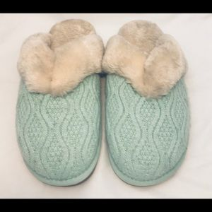 Lamo Green Cable Knit Slippers Mules Size 11